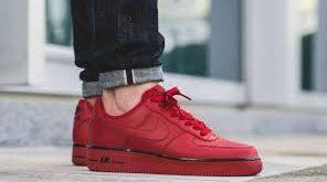 بازار فروش کفش مردانه قرمز